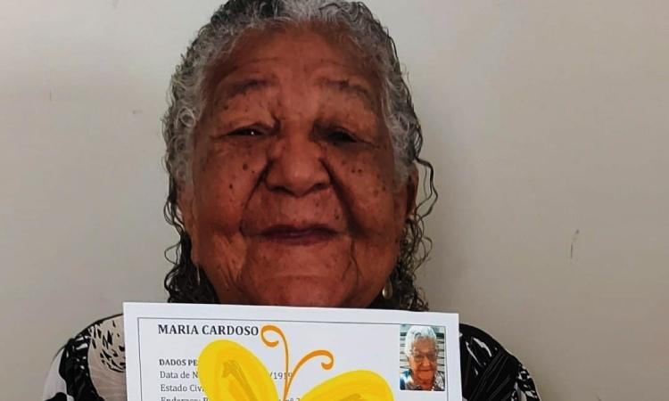 Abuela con 101 años presenta hoja de vida en busca del trabajo de sus sueños