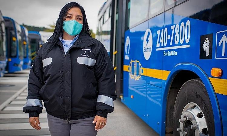 En Bogotá se abre convocatoria para formar y emplear a 450 mujeres conductoras
