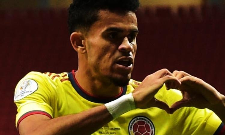 """Luis Díaz pasó de hacer goles en la Copa América a jugar un """"picadito"""" en su pueblo natal"""