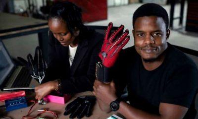Roy Allela, el joven que creó guantes que convierten el lenguaje de señas en audio