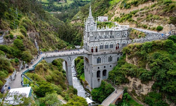 Por Su Arquitectura La Iglesia De Las Lajas Es Considerada Como La