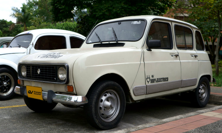 Colombianos crean el primer Renault 4 eléctrico ¡El amigo fiel regresa!