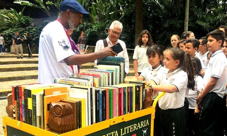 La carreta que lleva más de una década promoviendo la lectura por placer