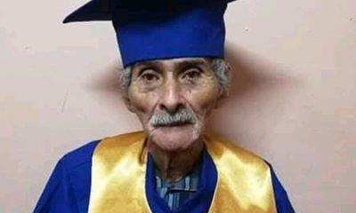 La historia del hombre que a sus 90 años se graduó de bachillerato ¡Los sueños se cumplen! La Nota Positiva