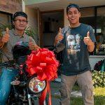 El Mindo le regala moto a domiciliario al que robaron en Cali ¡Los buenos somos más!