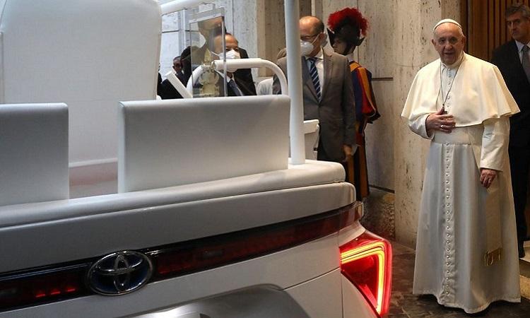 Papa Francisco tiene un nuevo papamóvil eléctrico, es a hidrógeno y libre de emisiones