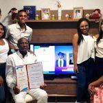 Colombiano se gradúa como bachiller a los 84 años y con 18 hijos profesionales