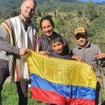 Youtubers campesinos enseñan sus labores al alemán que se enamoró de Colombia