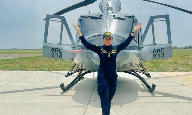 Ella es Karen Mancera, la teniente que es 'influencer' por tierra, mar y aire
