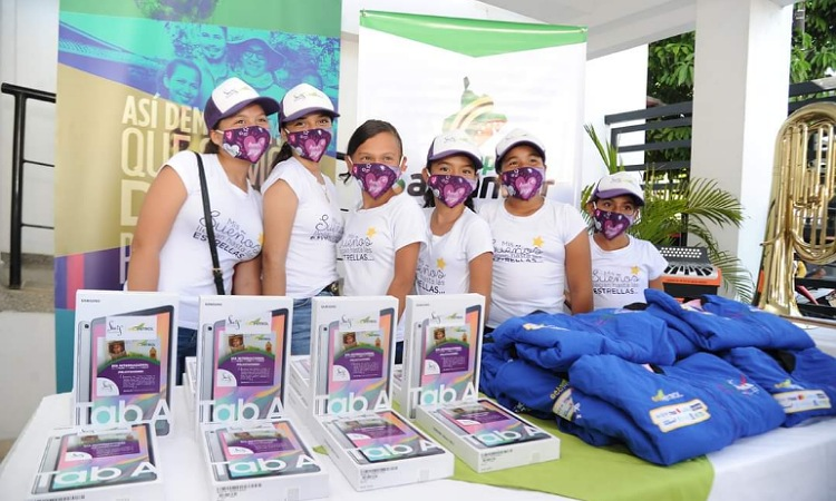 ¡Rumbo a la NASA! 31 niñas de zonas rurales de Colombia conquistarán el Space Center