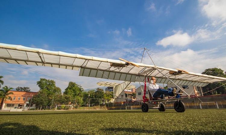 En Medellín construyen el primer avión eléctrico del país