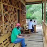 Conoce la primera ecoescuela de Colombia, fue construida con madera reciclable