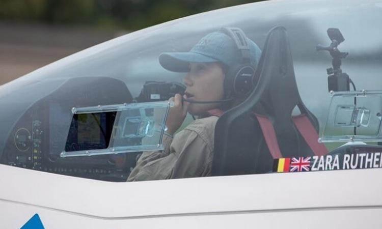 Zara Rutherford, la joven aviadora que le da la vuelta al mundo llegó a Colombia