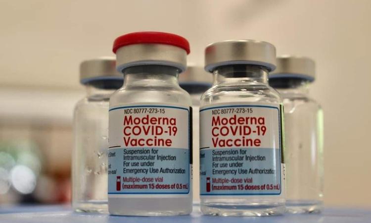Confirman fechas de llegada de más de 1 millón de dosis de vacunas de Moderna